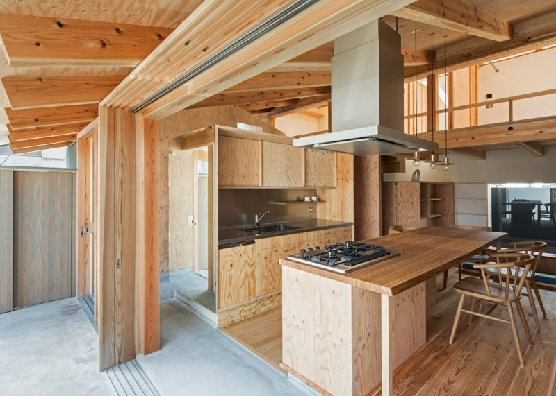 Small house by Hitotomori has custom-made plywood interior | Plywood interior, Japanese house, House