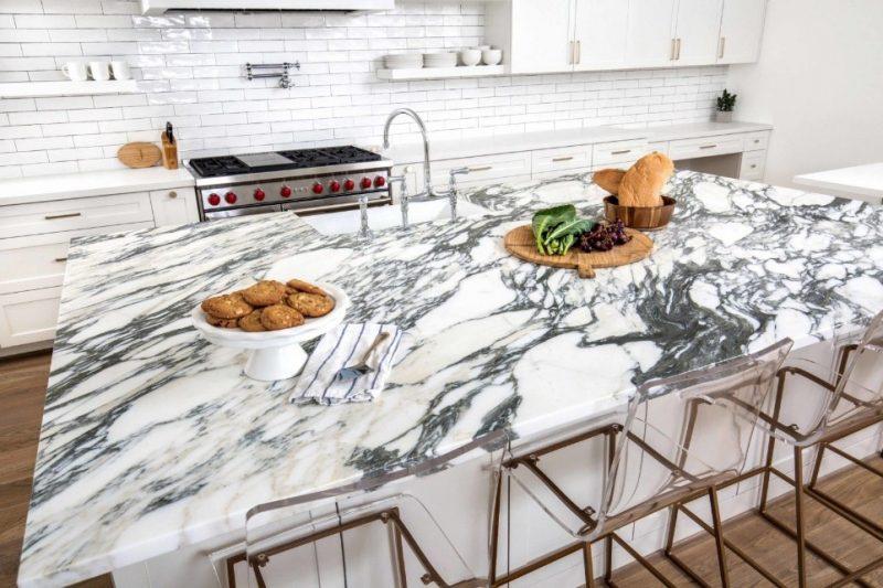 Arabescato Corchia Marble Kitchen   Kitchen marble, Marble kitchen island,  White modern kitchen
