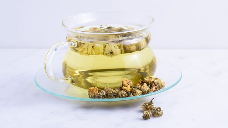 Chrysanthemum Tea Benefits and Side Effects