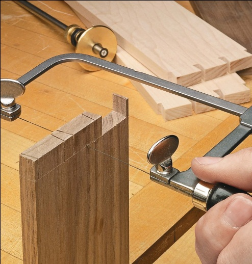 Perfect Cuts With Coping & Fret Saws | Woodsmith