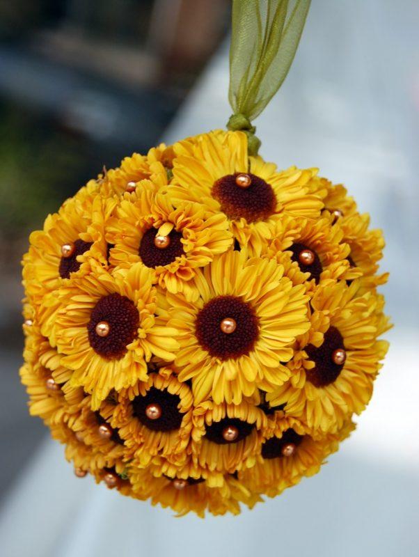yellow viking chrysanthemum – Weddings By Bakanas