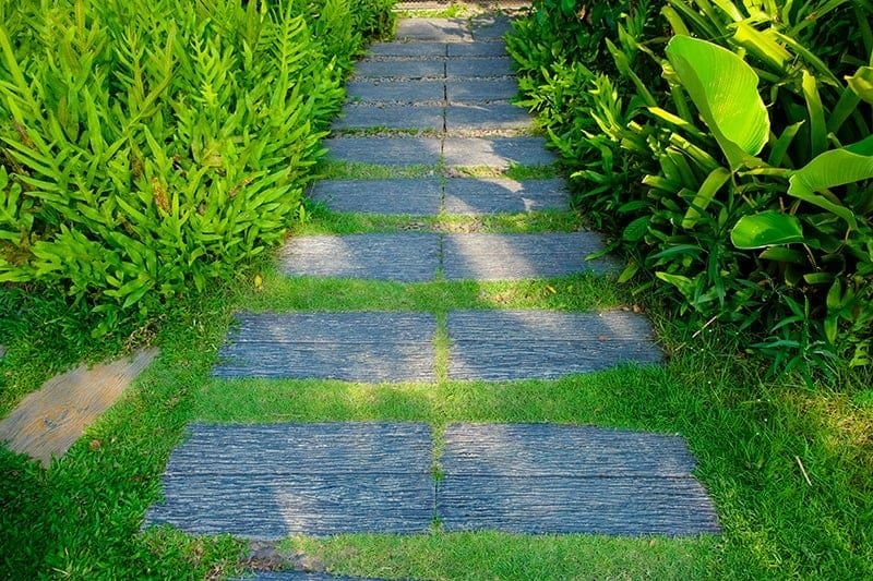 30 Walkway Ideas For Inspiration | Green and Vibrant in 2020 | Outdoor  decor, Walkway, Inspiration