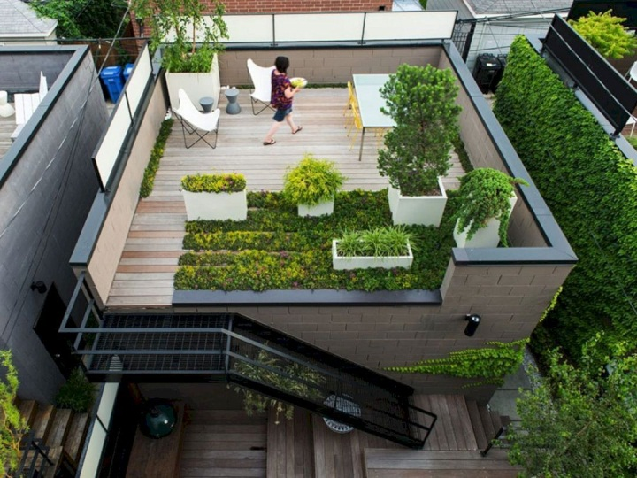 Astounding Amazing 10+ Rooftop Garden Ideas for Alternative Gardening On A  Budget https://decoredo.com/… | Roof garden design, Terrace garden design,  Rooftop design