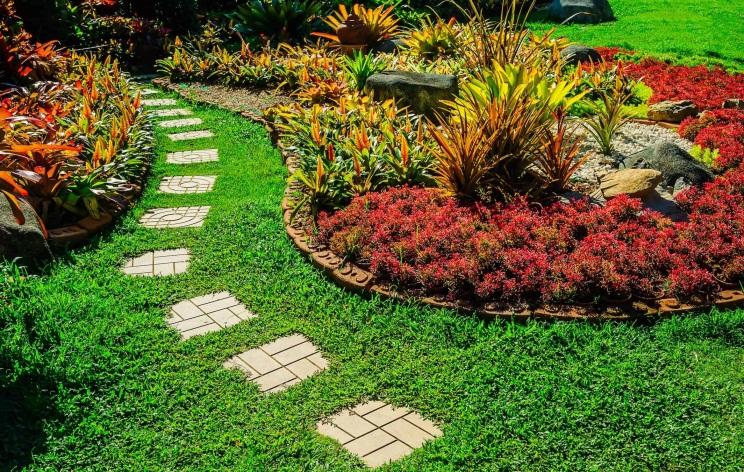 D:\@ARSIP\2020\NOVEMBER\garden_landscaped.jpg
