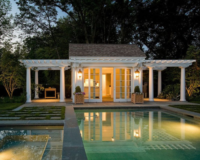 https://cdn.decoist.com/wp-content/uploads/2016/09/Twin-pergolas-add-elegance-to-the-classic-pool-house.jpg