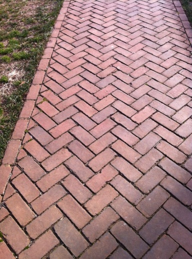 LawnLife — Herringbone – our favorite pattern from the Lawn | Brick  pathway, Brick sidewalk, Brick path